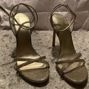 Stuart Weitzman Shiny Gold Heels 👠 Size 8